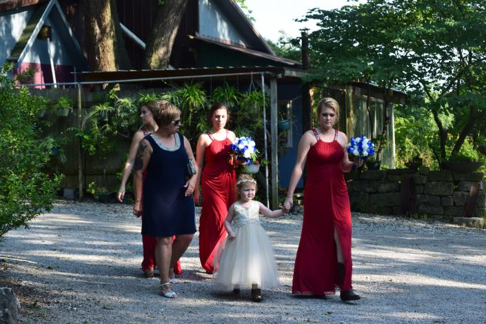 The bridal party begins to make way to the amphitheater!!
